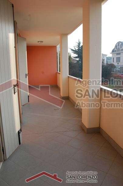 Nuovo di 3 camere ad abano terme immobiliare san - Immobiliare san lorenzo ...