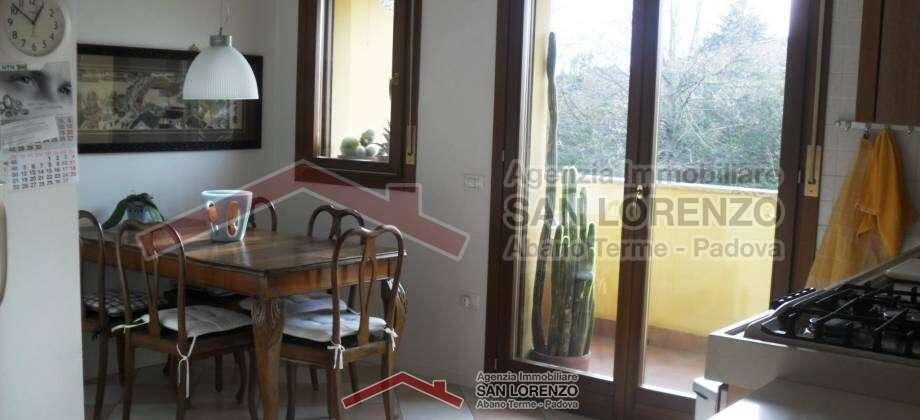 App.to 3 camere disposto su 2 piani ad Abano Terme – zona Duomo