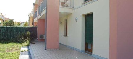Appartamento 2 camere/2 bagni al Piano Terra con giardino – Abano Terme Quartiere Don Bosco – arredato