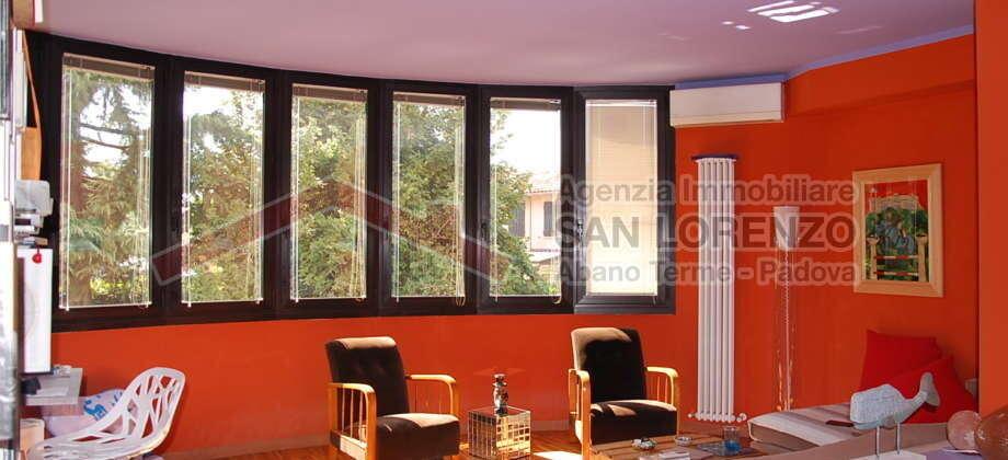 Esclusivo appartamento con ascensore privato – San Domenico- Selvazzano Dentro