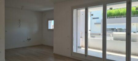 Appartamento tricamere con terrazzo abitabile-Monteortone